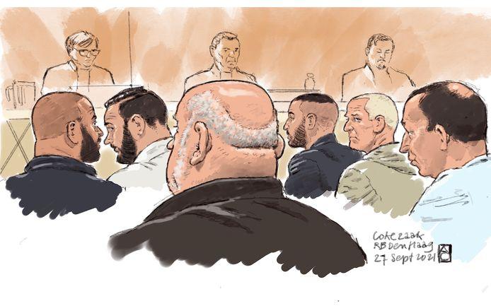 Van links naar rechts: Mohamed B., Wassim A., Peter R., Faiz T., Simon van O. en Jeroen G. Peter H. was niet aanwezig bij de zitting.