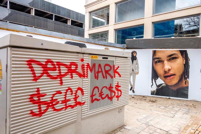 Graffiti bij de Primark.
