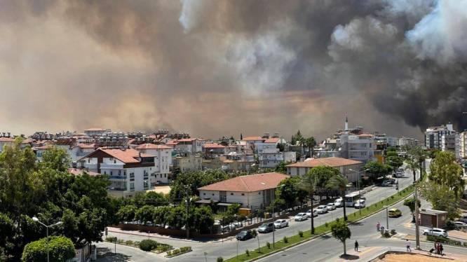 Verscheidene branden uitgebroken in Turkse vakantieregio Antalya