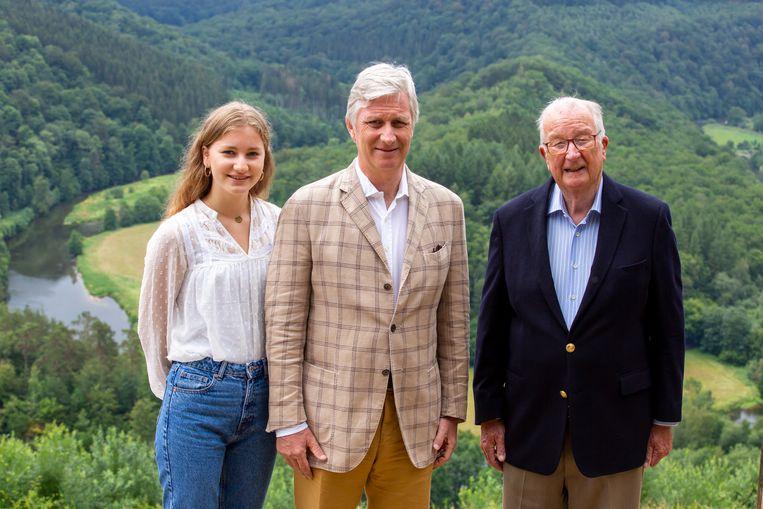 Kroonprinses Elisabeth, koning Filip en koning Albert II. Beeld EPA