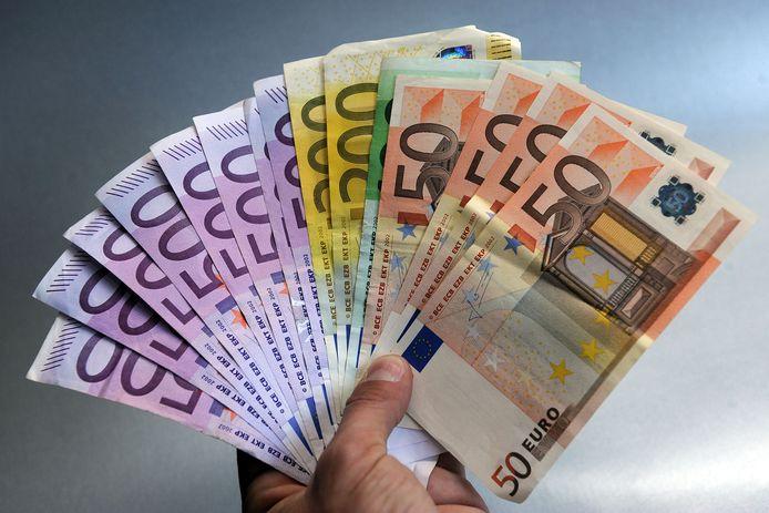 75.000 euro minder belastingen en huurgelden.