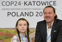 Greta met haar vader, de acteur Svante Thunberg, in december op de klimaattop in Polen
