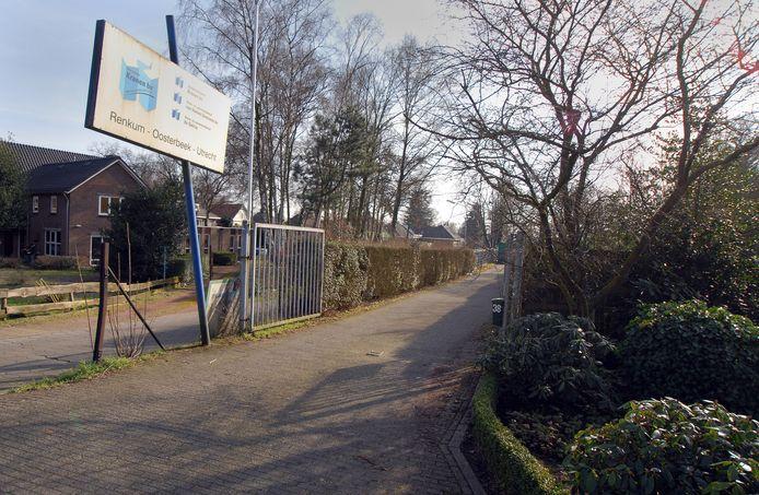 Het voormalige onderkomen van bouwbedrijf Kranen aan de Groeneweg in Renkum. Op het terrein ten zuiden aan de Groeneweg en ten oosten van de Don Boscoweg moet een nieuwe woonwijk verrijzen.