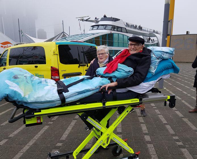 Theo Jansen ging nog een keer naar de havens van Rotterdam dankzij Stichting Ambulancewens.
