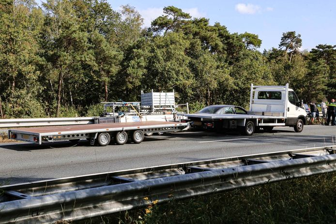 Ongeval met twee auto's op de A67 richting Venlo, ter hoogte van Lierop.