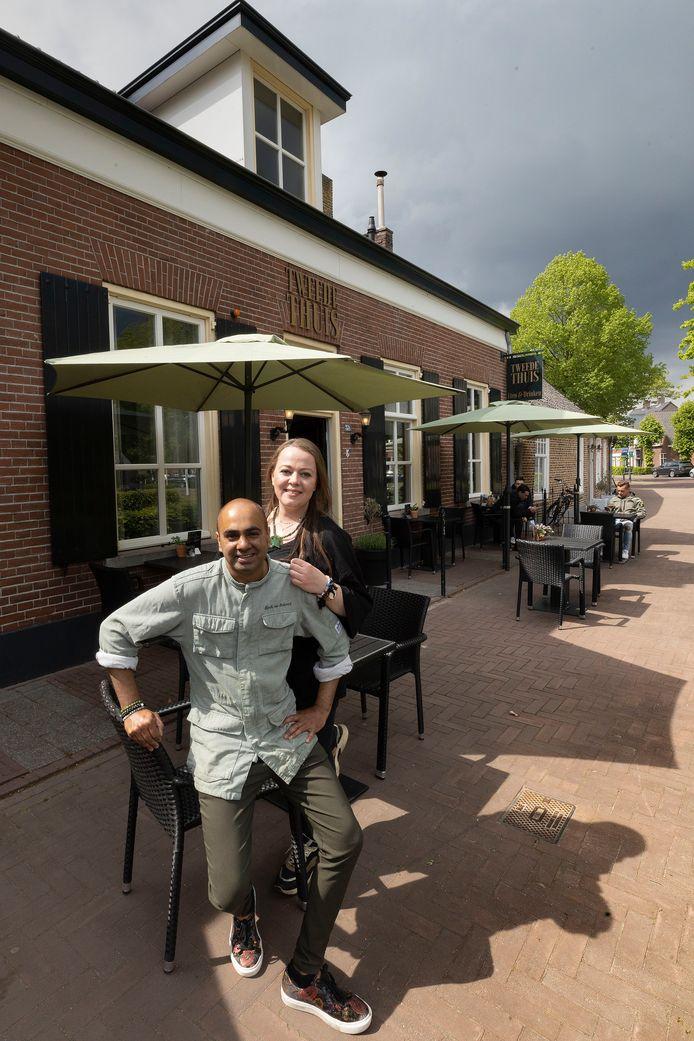Britney van den Berg en Djurhi van Santvoort van Tweede Thuis.