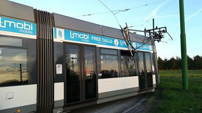 Tram ontspoord op keerlus van tramterminus