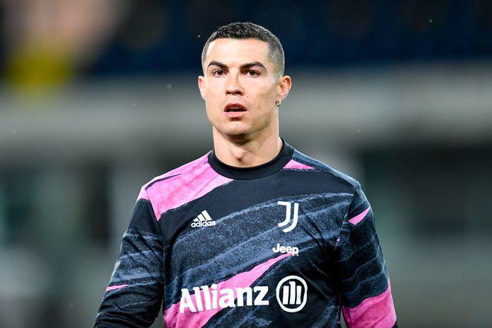 Juventus zit in de schulden en de financiële kant van het project-Ronaldo weegt op de club.