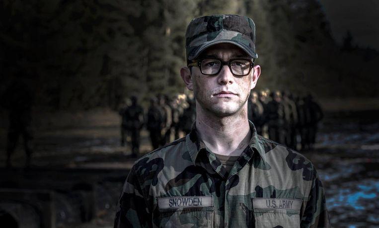 Joseph Gordon- Levitt zet met verve Edward Snowden neer in de biopic van Oliver Stone. Beeld Photo News