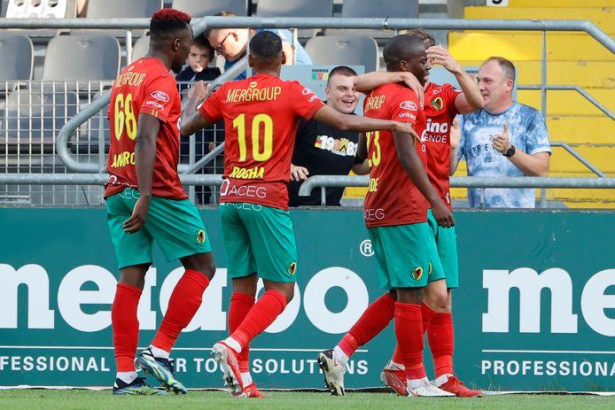 Oostende viert de 3-0 van Amade.