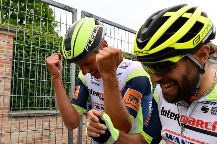 Taco van der Hoorn en ploegmaat Andrea Pasqualon.