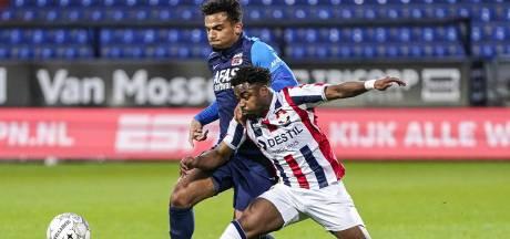 Gemiste kans voor Willem II: AZ wint met tien man in Tilburg