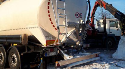 Landbouwer betrapt trucker op illegale lozing wit poeder