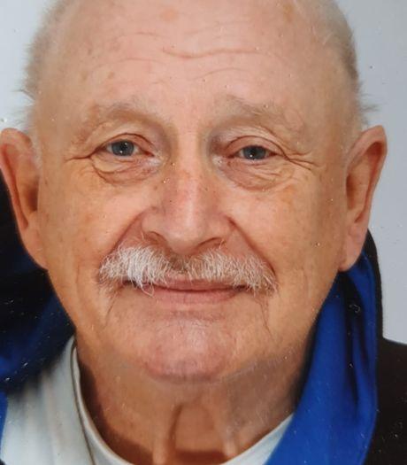 Theo Werdens (77) kon zelf niet meer sporten, maar hij was er bij Sparta'25 nog altijd
