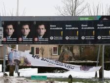 Verkiezingsrel in Hardenberg: Forum plakt Baudet volledig óver GroenLinks heen. 'Heel kinderachtig'