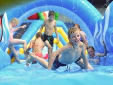 Stadion vol springkussens in Roosendaal: 'De stormbanen zijn vooral razend populair'