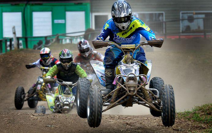 Op de motorcrossbaan van de vereniging MCC Geldermalsen worden ook wedstrijden voor kinderen (jongens en meisjes) gehouden, er kan op motoren en Quads gereden worden.