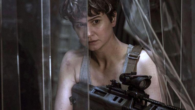 Katherine Waterston in Alien: Covenant van Ridley Scott Beeld