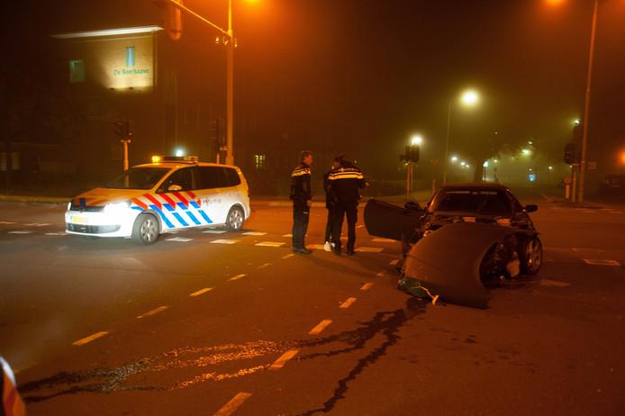 Twee autos total loss door aanrijding Deventer.