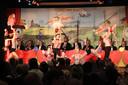 Demogroep V & K met spectaculaire gymnastiek.