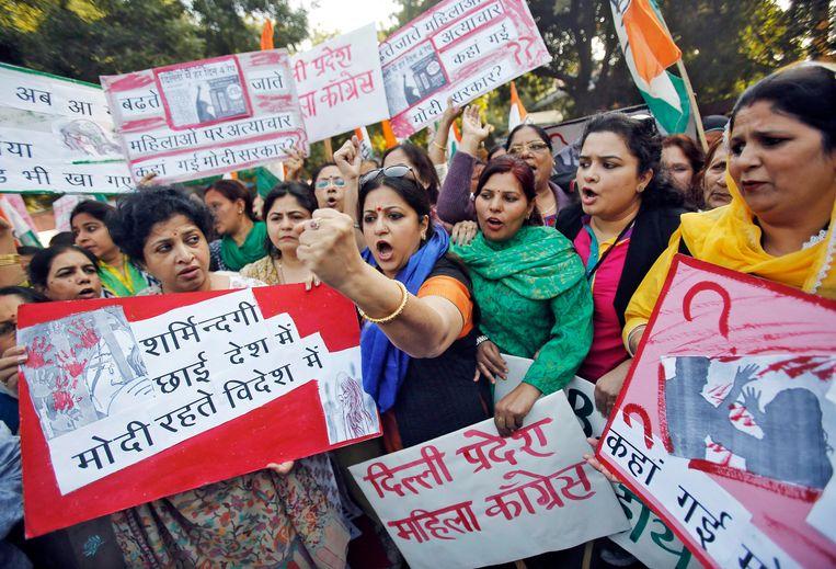 Aanranding en groepsverkrachting is nog steeds een veelvoorkomend probleem in India. Dit ondanks de massale woede en grootschalige protestacties van het Indische volk.  Beeld REUTERS