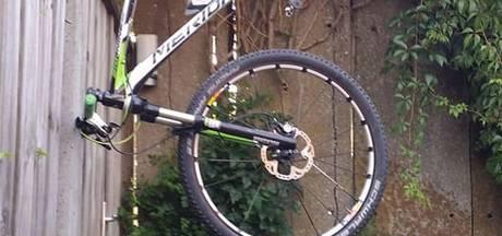 Dief krijgt spijt en brengt fiets weer terug naar Nijverdalse eigenaar