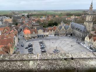 Een mooi zicht over Veurne en wijde omgeving? Je krijgt het na 214 treden vanop de Sint-Niklaastoren