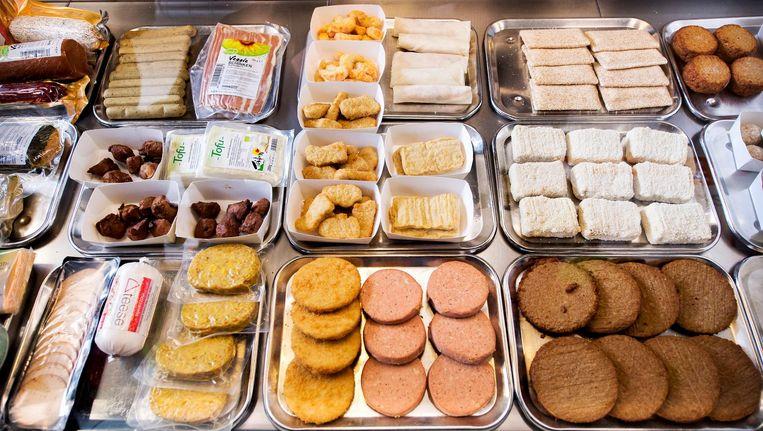 Vegetarische snacks in De Vegetarische Snackbar in Den Haag Beeld anp