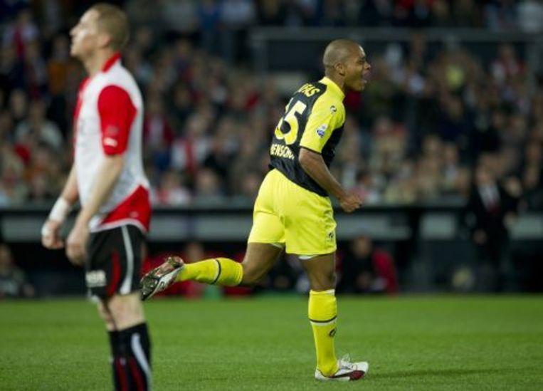 Charlison Benschop (R) van AZ viert zijn doelpunt. ANP Beeld