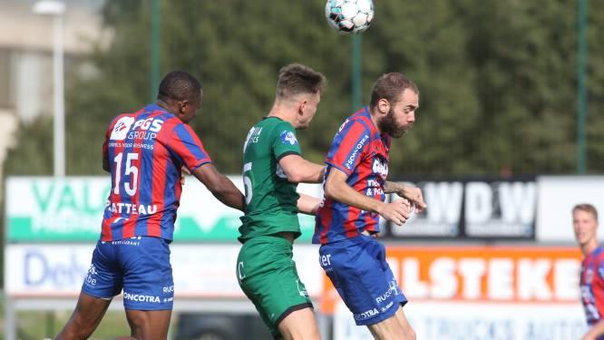 """Trainer Bruno Debo (KVK Westhoek) tevreden na debuut Ekangamene: """"Hij viel niet door de mand"""""""