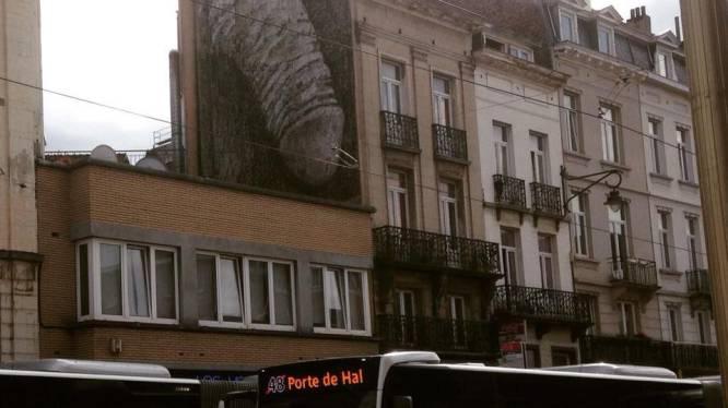 Mais qui a dessiné ce pénis géant à Saint-Gilles?