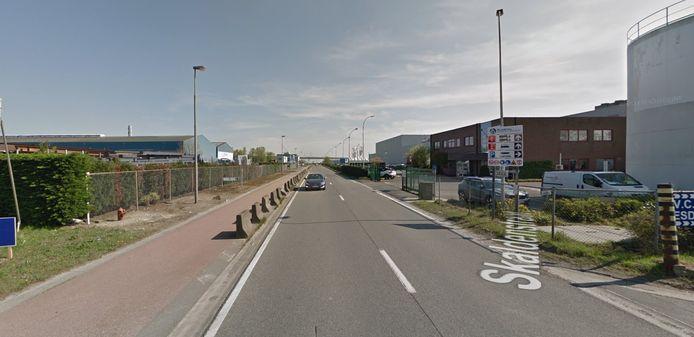 De brand brak uit bij een vleesverwerkend bedrijf in de Skaldenstraat in Gent.