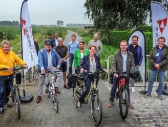 """Eerste deel vernieuwde Vrijbosroute ingereden: """"Een mooie fietsverbinding tussen Ieper en Langemark"""""""