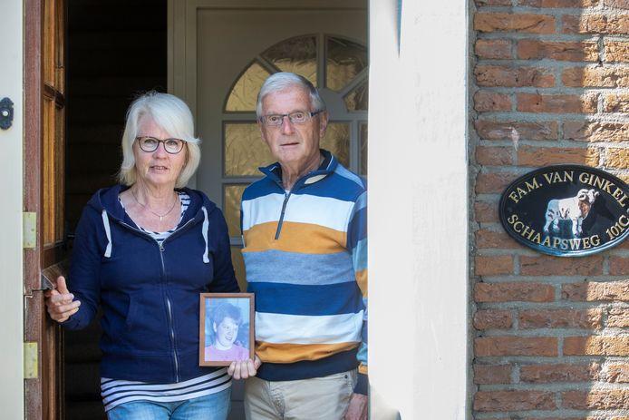 Dirk en Marianne van Ginkel hebben wegens het coronavirus hun meervoudig gehandicapte dochter Marjolein, die in een instelling verblijft, al vier weken niet kunnen zien.