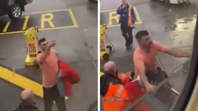 Les images invraisemblables d'un passager qui pète les plombs après avoir été mis dehors d'un avion Ryanair