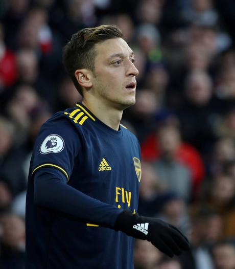 Özil uit kritiek op China, Arsenal distantieert zich van uitspraken