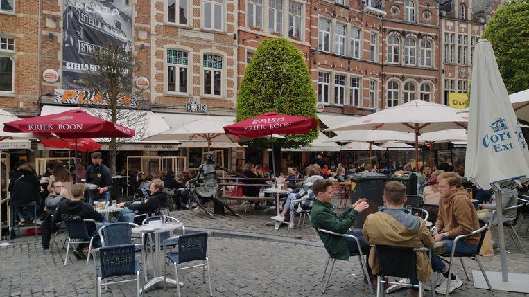 Café Plaza in coronatijden. Beeld BELGA
