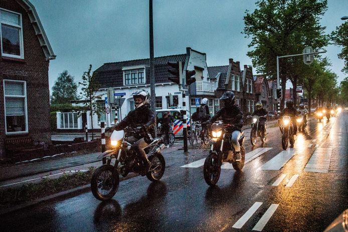 Dit jaar deelde de politie 48 boetes uit tijdens het Luilakken in Oud-Beijerland.