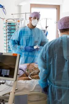 Maasstad Ziekenhuis: 'Geef de coronaprik aan al ons zorgpersoneel voor mogelijk derde golf'