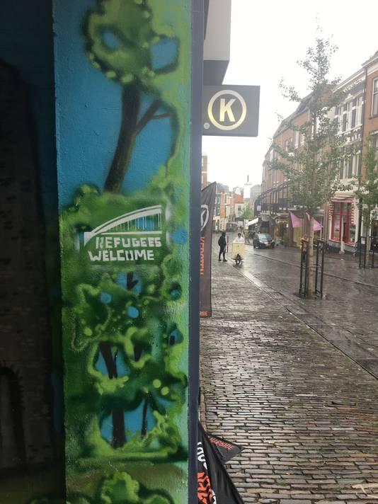Graffiti op de Lange Hezelstraat