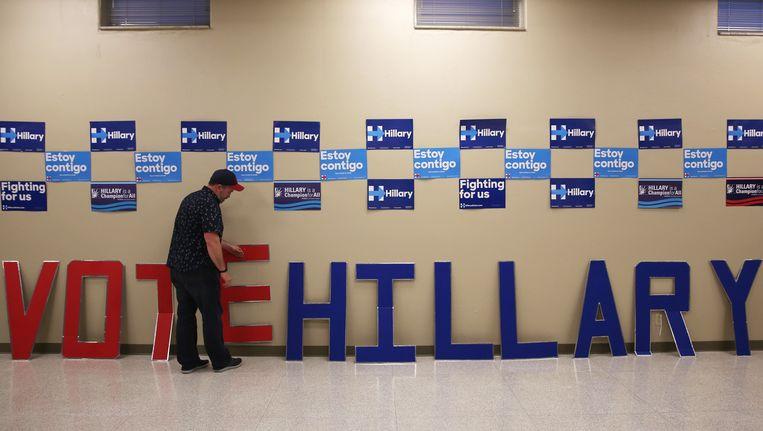 Campagnemateriaal van Clinton in St. Louis. Beeld ap