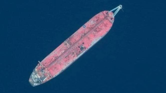 Verlaten schip met 1.000.000 olievaten aan boord is tikkende tijdbom in Rode Zee