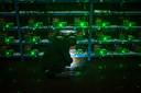 De computers die de transacties met cryptovaluta registreren en valideren vreten stroom