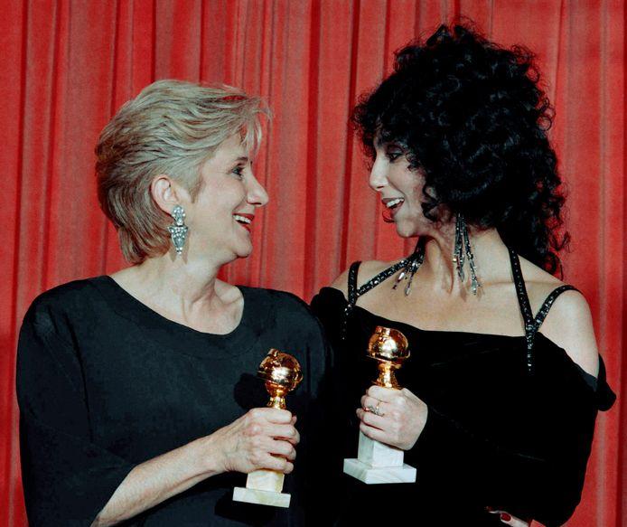 Olympia Dukakis en Cher winnen beiden een Oscar voor een rol in Moonstruck.