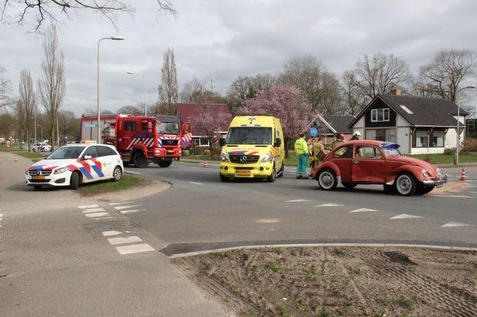 De Deventerweg bij Holten ging na het ongeluk enige tijd op slot.