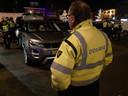 Politie, belastingdienst en de douane controleerden meerdere malen bezitters van dure auto's op de Woenselse Markt