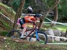 Mountainbikester Anne Terpstra nauwelijks bij te houden in Zuid-Afrika