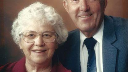 Ron en Mary na huwelijk van 66 jaar door ziekenhuis samengebracht om te sterven
