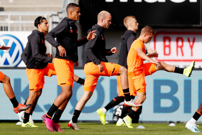 PSV in voorbereiding op het duel met FK Haugesund.