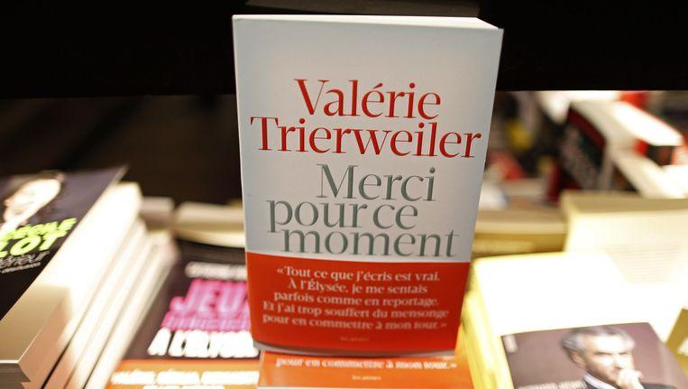Het boek van Trierweiler. Beeld reuters